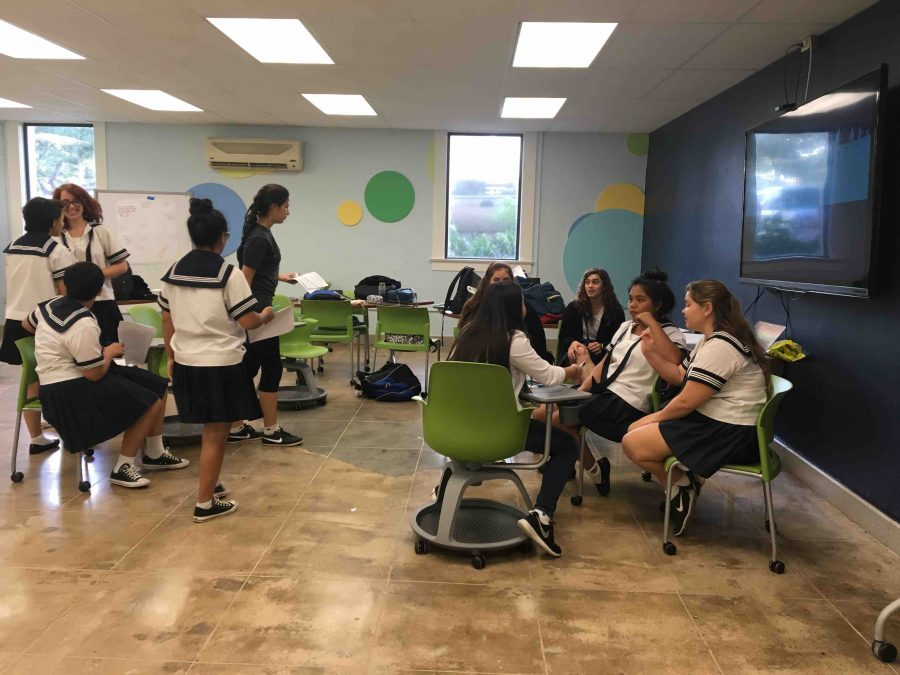 Juniors+and+seniors+of+AP+U.S.+History+and+AP+Government+classes+participate+in+the+Academy%E2%80%99s+first-ever+Constitution+Camp.%0APhotos+taken+by+Pamela+Lino+