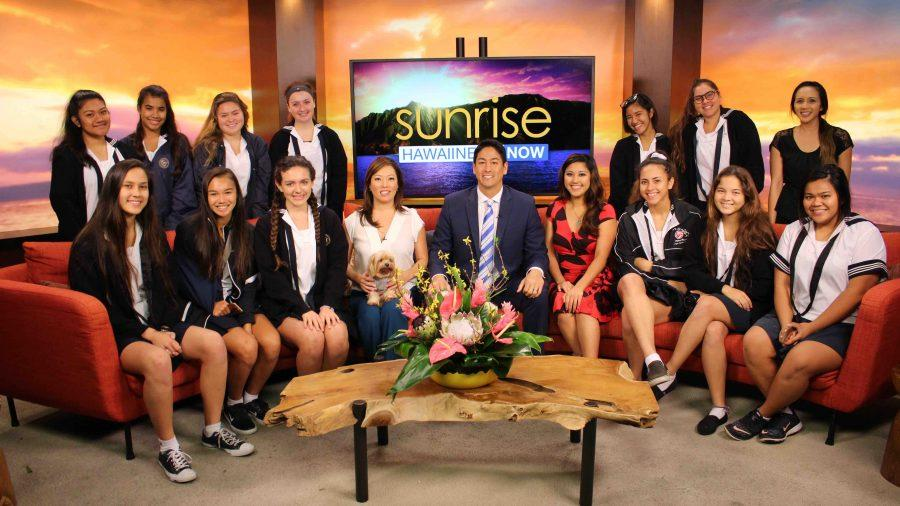 The+Video+Productions%2FNews+Broadcast+class+on+the+set+of+Hawaii+News+Now%E2%80%99s+%E2%80%9CSunrise%E2%80%9D+show+with+anchors+Grace+Lee%2C+Steve+Uyehara+and+Lacy+Deniz.