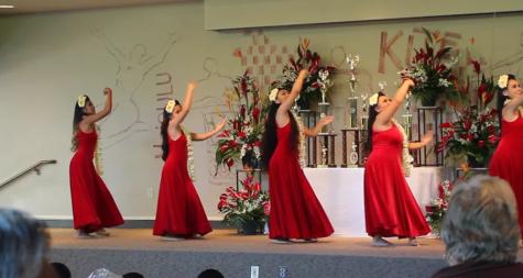 Hula students participate in La Mele 2016 Festival