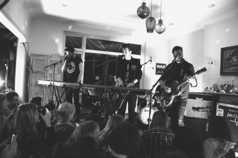 Bastille playing in a secret concert with Sofar Sounds. Photo courtesy of Wikimedia.