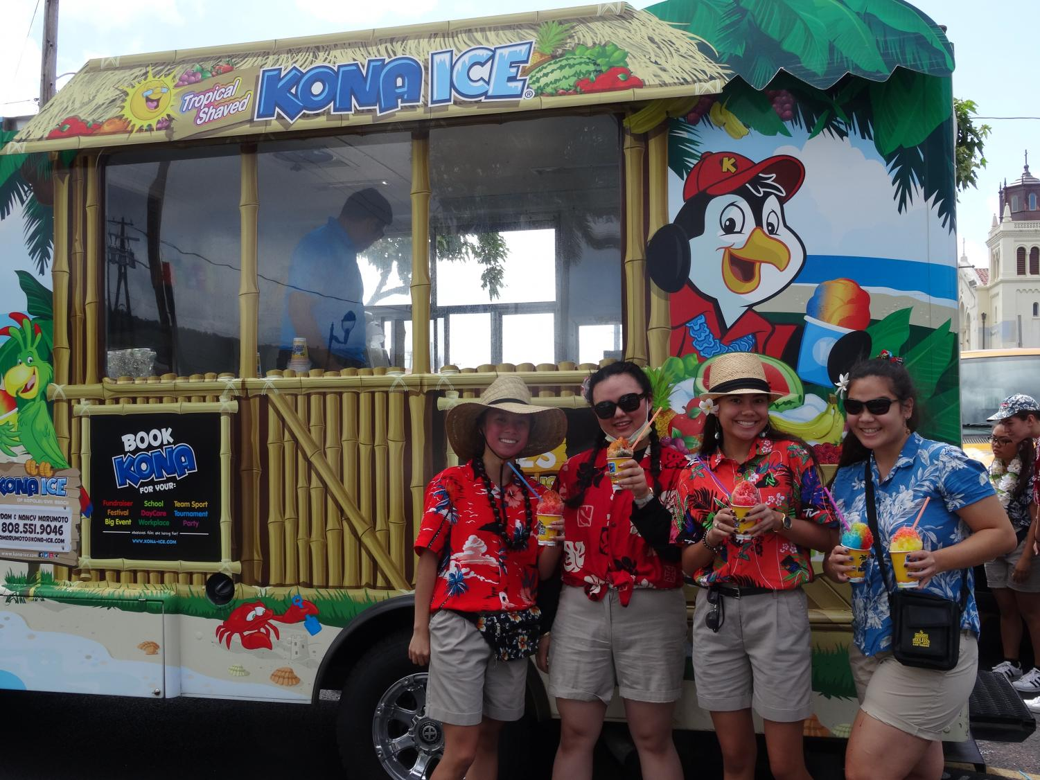 On Wednesday, seniors wore ABC Store themed clothing and enjoyed shave ice from Kona Ice.